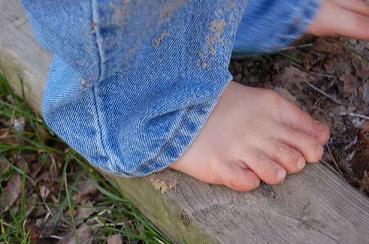 bare-feet.jpg